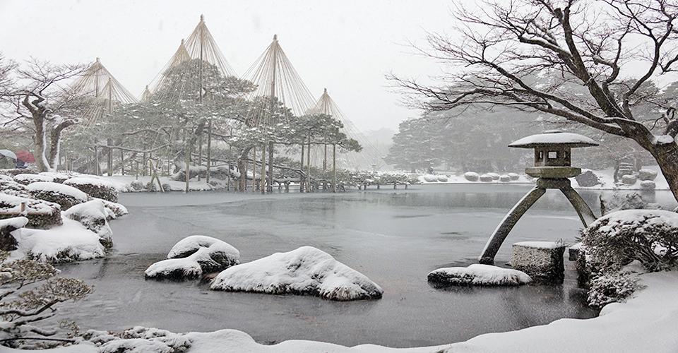 日本三大名園之雪中兼六園