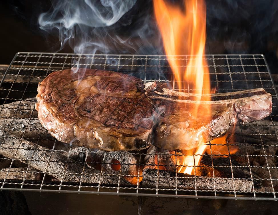台北.美食 | 頂級和牛燒肉樂軒的平價牛排來了!鉄火牛排 TEKKA STEAK,立食牛排站著吃更便宜!(東區)