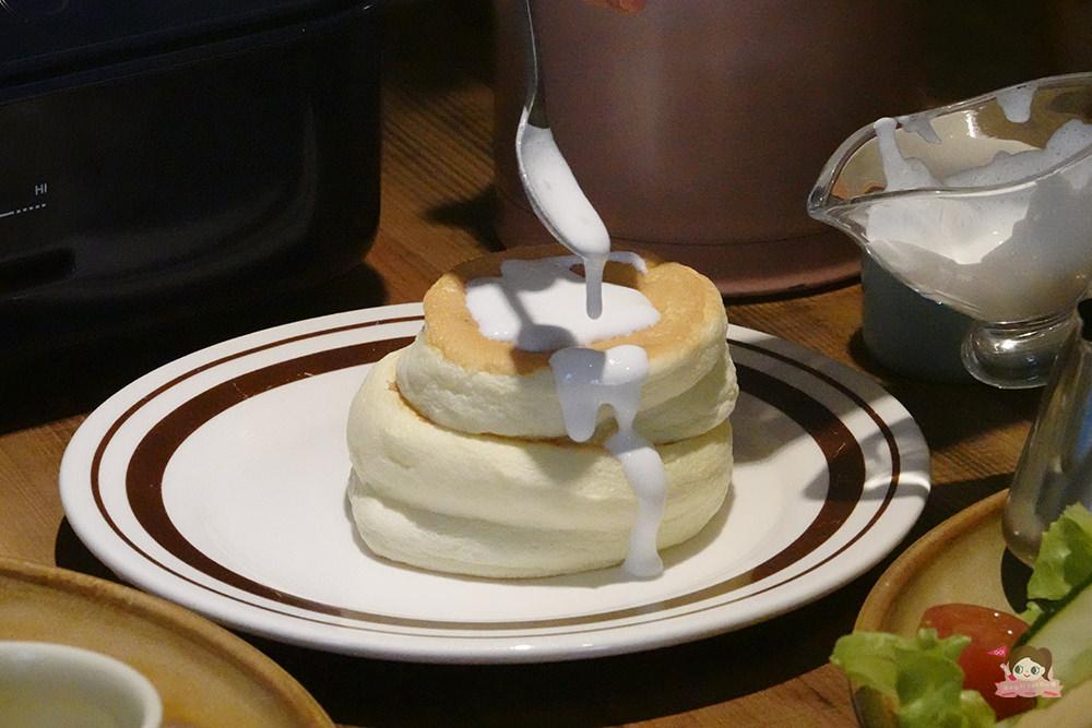 台中早午餐 聚餐 台中咖啡店 homehome 老宅改裝 文青咖啡