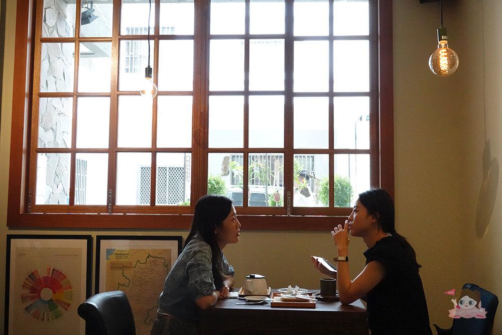 高雄 有。咖啡 自家烘焙咖啡豆 日式本格派手沖咖啡 Kono點滴式手沖 金澤式手沖 kono賽風 自家烘焙咖啡豆 義式咖啡 定食 甜點 小酌 私選音樂