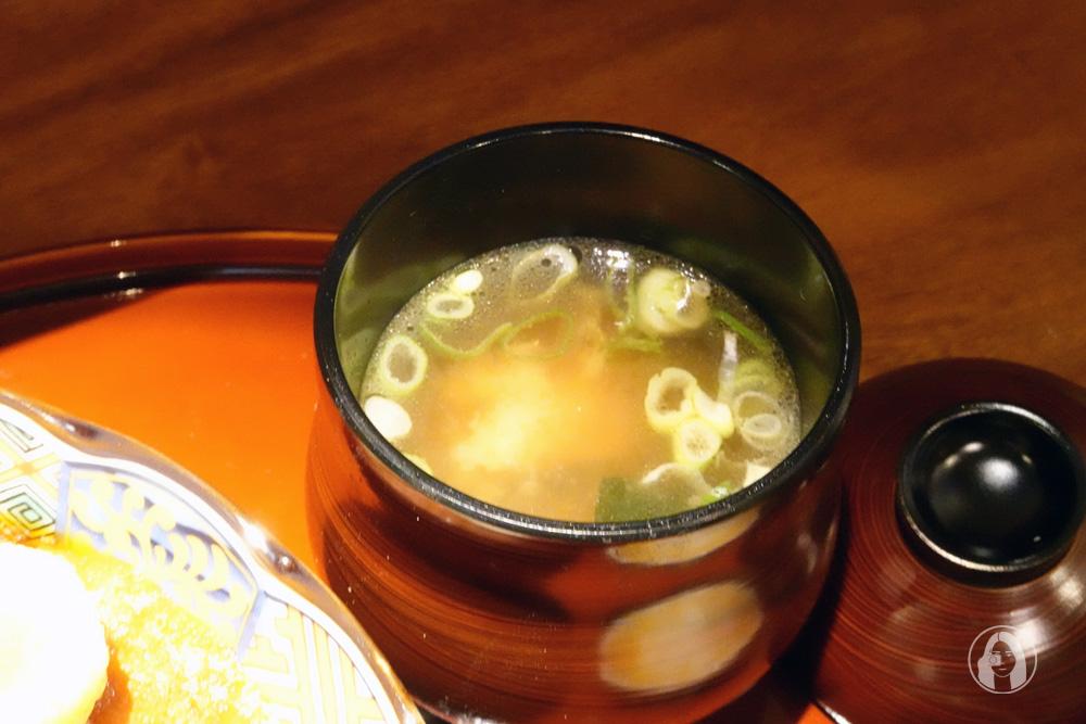 通庵熟成咖哩中山店,28 天熟成咖哩醬,與月光米、祕製花椒油的美味交融 台北中山區美食