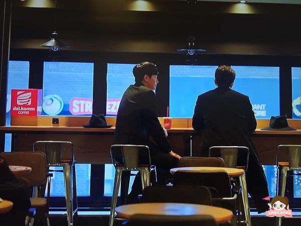 ep11-3孤獨又燦爛的神鬼怪場景dalkomm鐘路店1.jpg