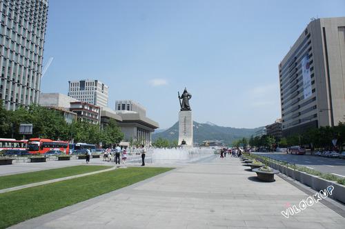 韓劇鬼怪、雲畫的月光、城市獵人、仁顯王后的男人等愛用場景…輕觸韓國古今的光化門廣場