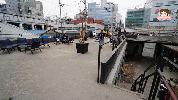 首爾聖水洞工業風咖啡店cafe-onion-카페어니언029.jpg